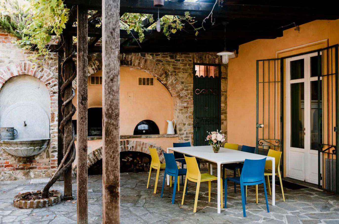 Villa Coste di Monforte - tavolo esterno